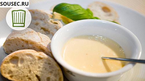соус айоли с хлебом