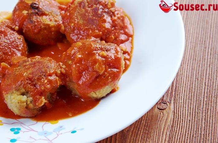 Рыбные котлеты в соусе из томатной пасты
