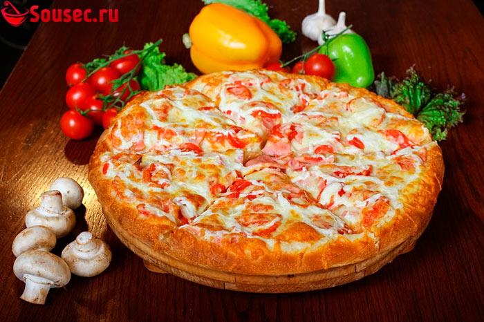 Пицца с соусом маджорио