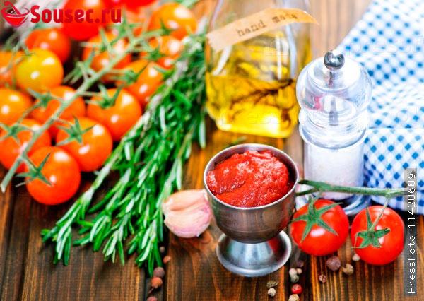 Свежие помидоры для соуса к пицце
