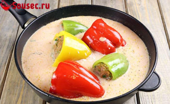 Фаршированные перцы в соусе