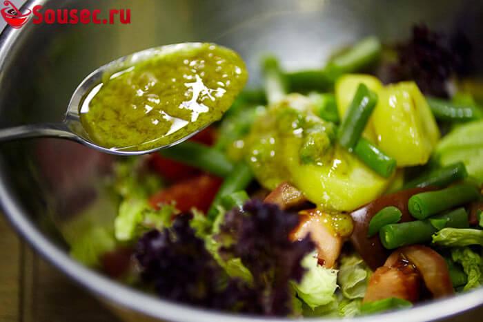 Салат с соусом Нисуаз
