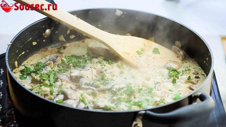 Приготовление шампиньонов в сливочном соусе