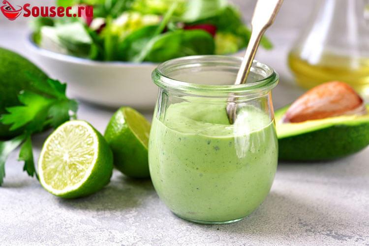 Соус из кефира с авокадо