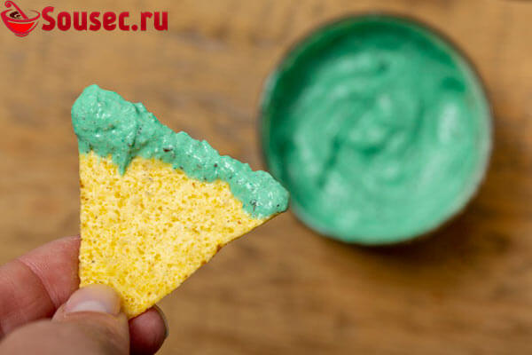 Зеленый соус к чипсам начос