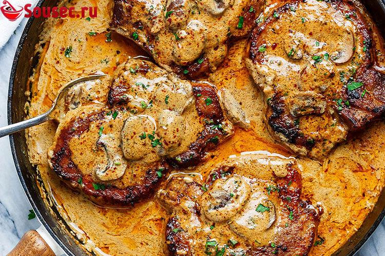 Горчично-медовая заправка с запеченной свининой