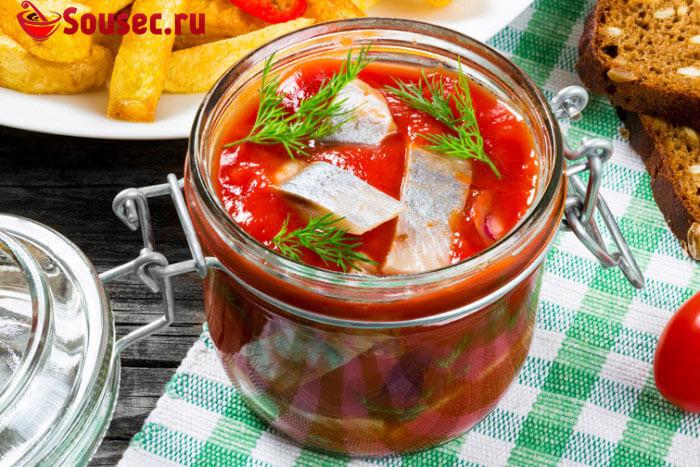 Селедка с томатным соусом