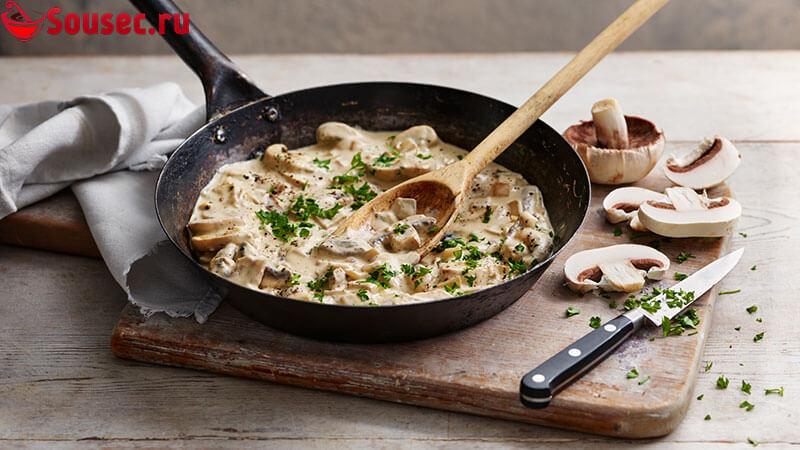 Сливочно-грибной соус с зеленью